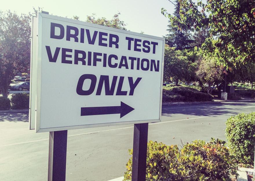 Egzamin na prawo jazdy w Kalifornii – bułka z masłem!