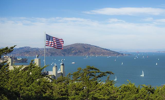 Ameryka i amerykańskie wizy, jak dostać zieloną kartę?